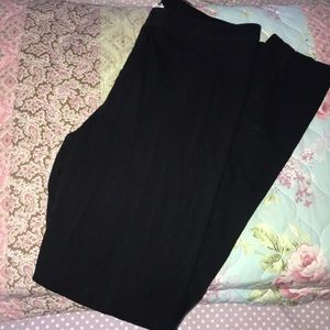 Forever 21 black leggings EUC!